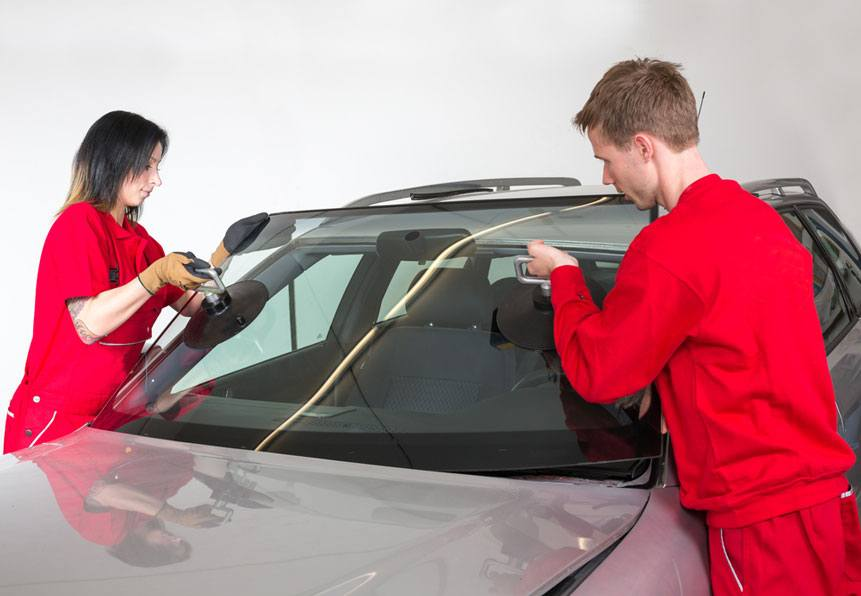 removing windshield on a car